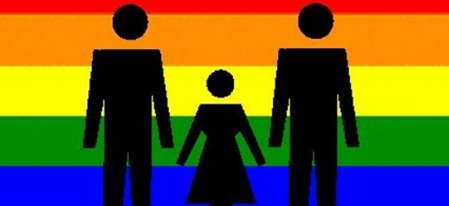 Portekiz'de eşcinsel çiftler evlat edinemeyecek