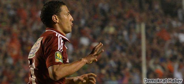 Rabia işareti yapan futbolcu kadro dışı