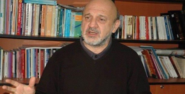 Ragıp Duran: Charlie Hebdo'nun tüm dinlerin fanatizmine karşı duruşu vardır