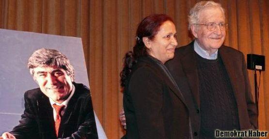 Rakel Dink'ten plaket alan Chomsky Beşikçi'yi andı