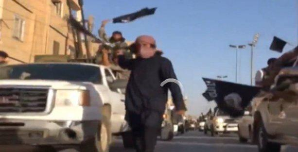Rakka sokaklarında IŞİD militanlarını gizli kamerayla çekti