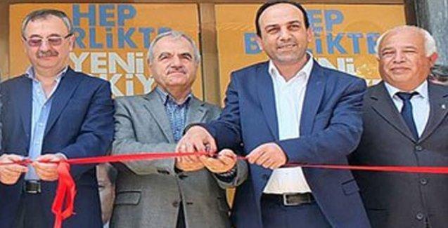 Rektörden AKP seçim bürosu açılışı!