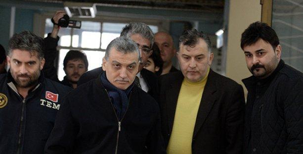 Reuters Zaman'a operasyonu 'Acil' başlığıyla duyurdu