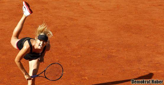 Roland Garros'da tek kadınlarda şampiyon Sharapova!
