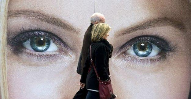 Roma'da 'seksist' reklam afişlerine yasak
