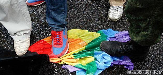 Rusya eşcinsellik propagandasına ağır cezalar verecek