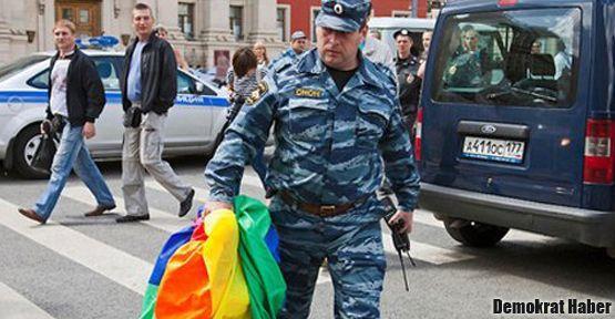 Rusya'da homofobi yasalaşma yolunda