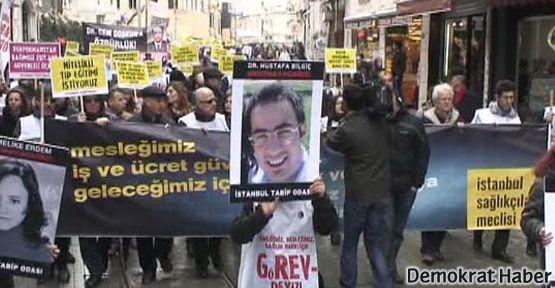Sağlık çalışanları Taksim'de eylemdeydi