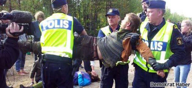 Samiler İsveç Kralını protestolarla karşıladı
