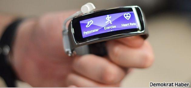 Samsung Galaxy Gear Fit, 10 günde tükendi