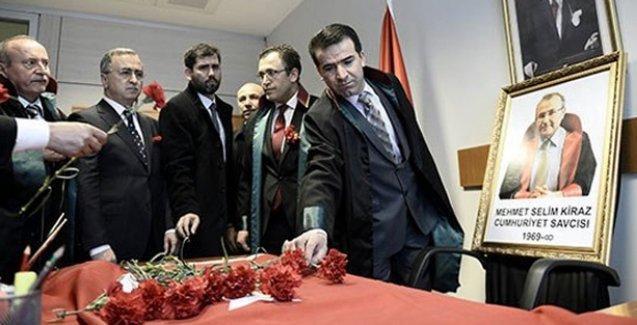 Savcı Mehmet Selim Kiraz'ın odasındaki '150 kurşun izi polisin silahından' iddiası