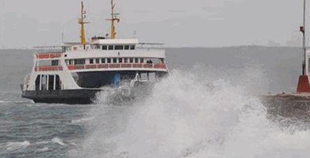 Şiddetli lodos birçok deniz otobüsü seferini iptal ettirdi