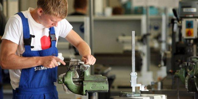 Siemens, işçi kıyımına hazırlanıyor: 7 bin 800 çalışan işten çıkarılacak
