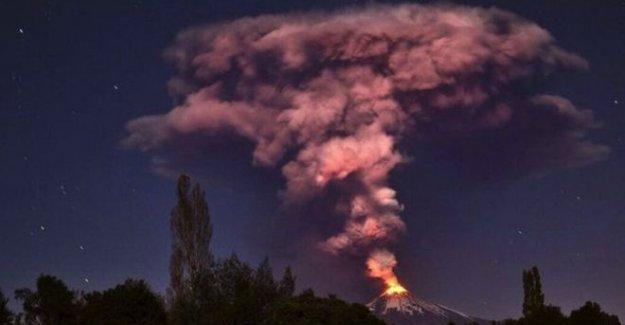 Şili'de yanardağ patladı, 3000'den fazla kişi tahliye edildi