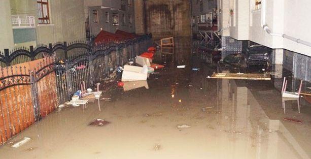 Sincan'da şiddetli yağış sonrası sel: Yaralılar var