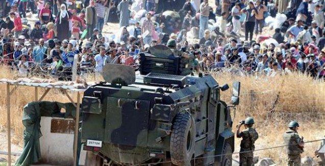 Sınırda bekleyen Suriyeliler Türkiye'ye alınıyor
