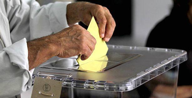 Sınırda oy kullanımı başlıyor
