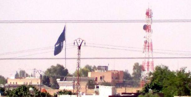 Sınırda yeniden IŞİD bayrağı