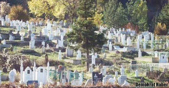 Sırbistan'da Müslüman mezarlığına saldırı