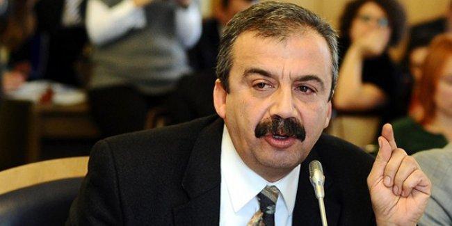 Sırrı Süreyya Önder: Roboski'de halk ayakta