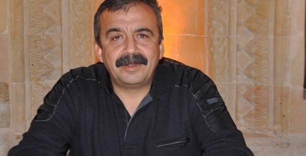 Sırrı Süreyya: Başbakanlıktan istifa etmemesi etik ve adil değil