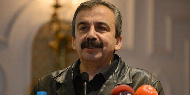 Sırrı Süreyya'dan TSK'ya: Artık iç çatışmaları Kürtlere ihraç ederek kurtulma dönemi bitti