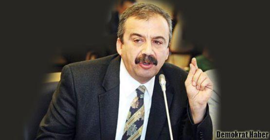 Sırrı Süreyya Önder gazetecilerin sorularını cevapladı