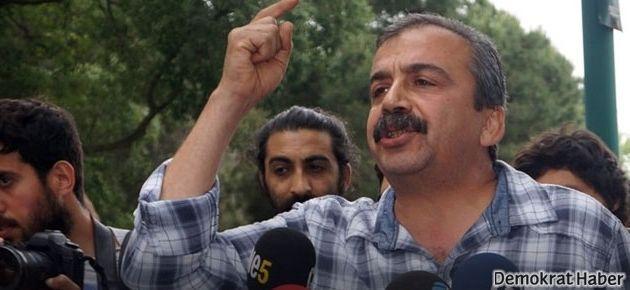 Sırrı Süreyya Önder yerel seçimde İstanbul'dan aday olmalı mı?