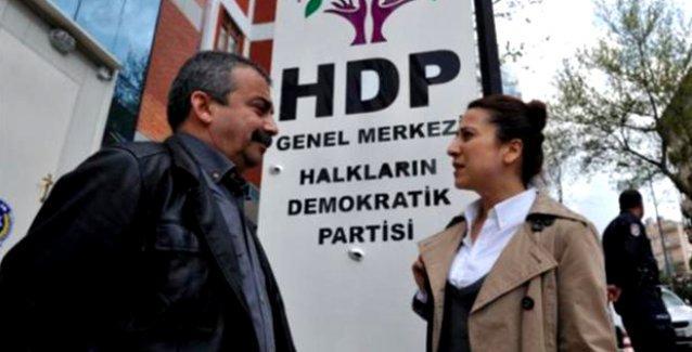 Sırrı Süreyya: Süreç, AKP'li ya da AKP'siz devam etmeli