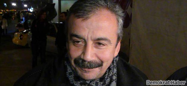 Sırrı Süreyya'dan Fenerbahçeliler'e eleştiri