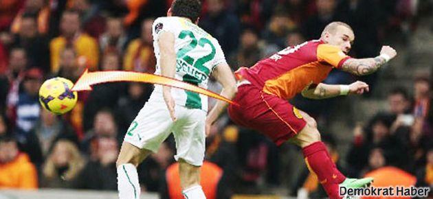 Sneijder'in 'popo pası' twitter'ı salladı