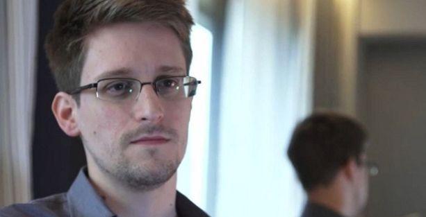 Snowden'dan 'ajanlık itirafı'