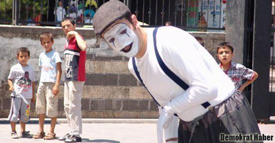 'Sokakta sanat yapmak suç mu?'