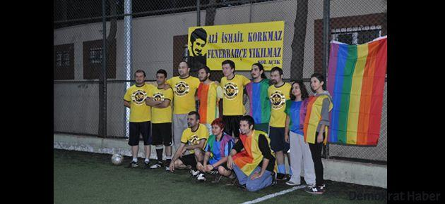 Sol Açık İzmir: 9 - LGBT İzmir: 3