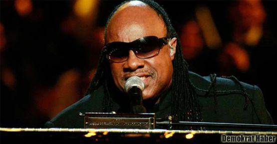 Stevie Wonder İstanbul'u salladı