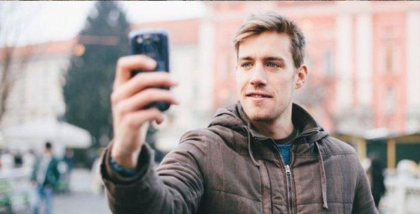 Sürekli selfie çekmek psikopatlık belirtisi mi?