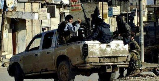 Suriye: IŞİD, Tabka hava üssünü ele geçirdi