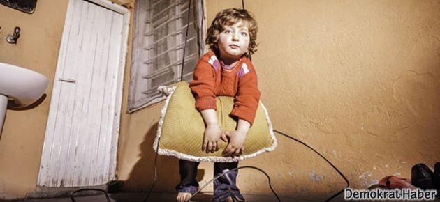 Suriyeli 3.5 yaşındaki Azize'nin hediyesi silah