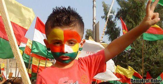 Suriyeli Kürtler sokaklara indi