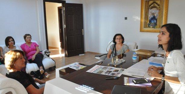 Süryani kadınlardan Eşbaşkan Akyol'a ziyaret