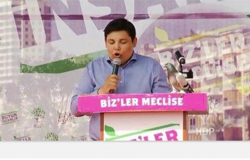 Syriza'lı Bournous İzmirlilere Nazım Hikmet'in şiiriyle seslendi