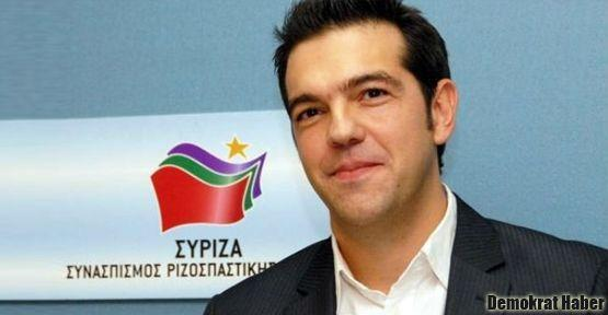 Syriza'yı damgalama kampanyası derhal durmalı!