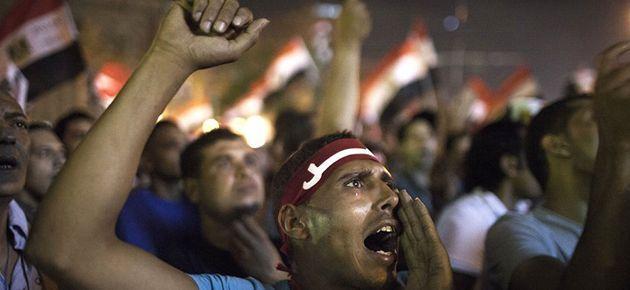 Tahrir'de 'istifa' sesleri