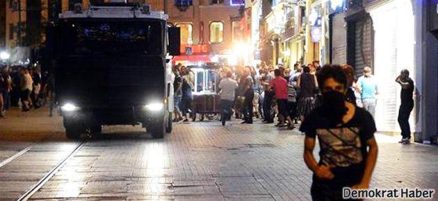 Taksim'de 40'ı aşkın gözaltı