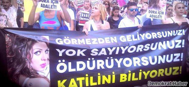 Taksim'de LGBT bireylere polis engeli