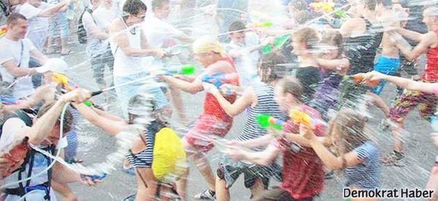 Taksim'deki 'su savaşı' Lice için ertelendi