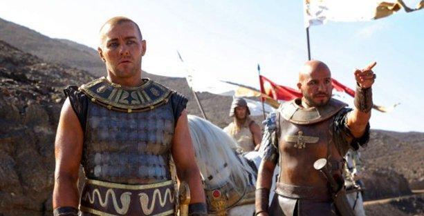 'Tanrılar ve Krallar' filmine iki ülkede yasak!