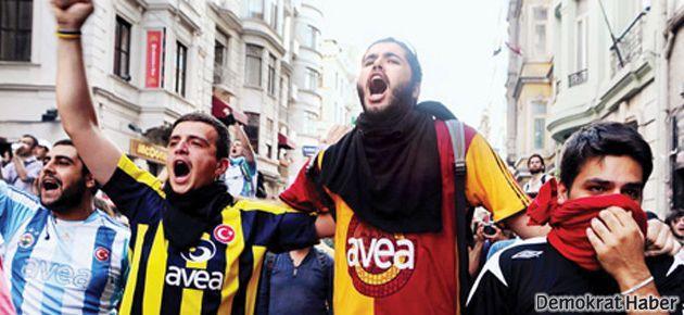 Taraftarların 'İstanbul United'ı film oluyor
