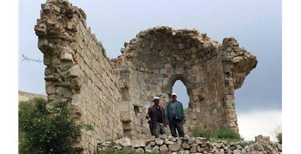 Tarihi Ermeni Kilisesinden geriye iki duvar kaldı!
