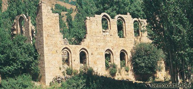 Tarihi Halil Kilisesi, restore edilmeyi bekliyor
